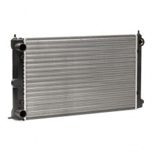 chladič vodní VW Golf 1 motorizace 1.6 - 1.8 - 321121253K