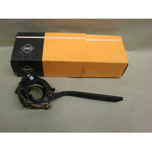 páčka stěračů VW Golf 1 MK1 76-77 pravá strana 171953519A