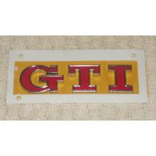 logo znak VW Golf 7 nápis GTI logo červené zadní dveře nalepovací